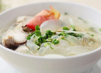 Bún sứa món ăn đặc sản bạn sẽ được ăn khi du lịch Nha Trang