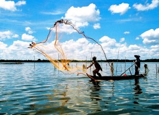 cuộc sống người dân làng chài Vịnh Hạ Long